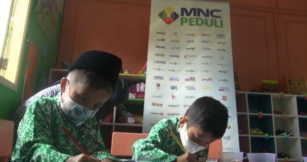Desarrollar la creatividad, MNC Peduli Sipanas invita a los niños del pueblo a jugar y aprender