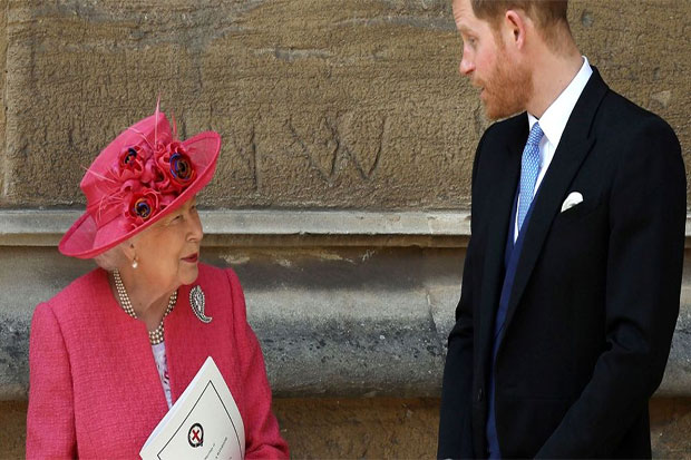 Queen's Relations With Prince Harry Left 'Badly Damaged' Over Split From Royal Family, Insider Says