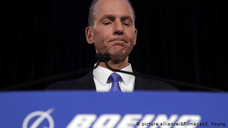 Boeing CEO Muilenburg steps down to restore confidence