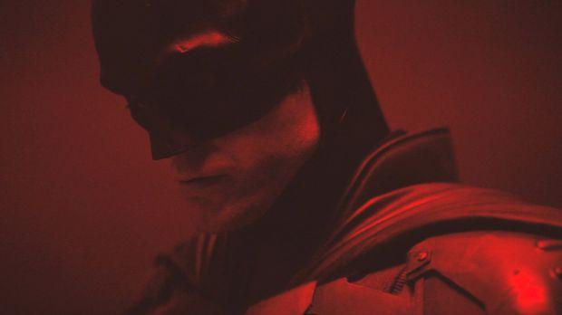 Dengerin Lagu Billie Eilish untuk Film James Bond, dan Musik Keren Michael Giacchino untuk Film Batman