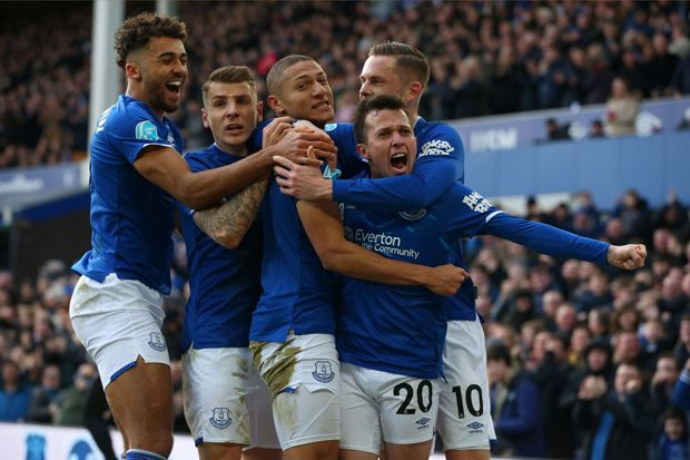 Sikat Crystal Palace, Everton Gusur Manchester United