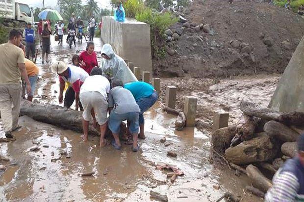 Banjir Lahar Dingin Gunung Sinabung, Akses Jalan Kabanjahe-Kuta Buluh Terputus