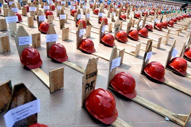 Gara-gara Corona, Ratusan Buruh Kota Bekasi Di-PHK