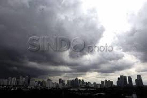 Cuaca Jakarta Hari Ini, Hujan Disertai Kilat Landa Jakbar dan Jaksel