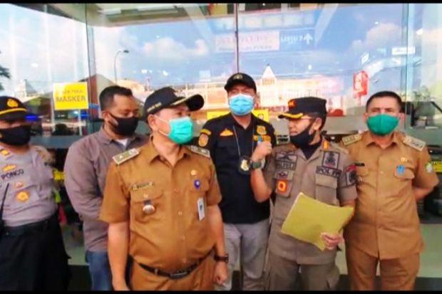 Satpol PP Kota Tangerang Segel CBD Ciledug karena Langgar PSBB