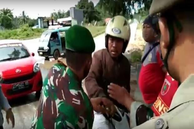 Viral, Tak Terima Ditegur Tidak Pakai Masker, Oknum Polisi di Kendari Lawan Petugas