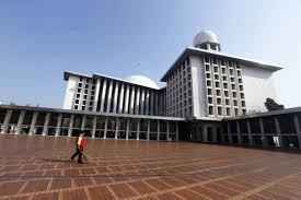Pandemi Covid-19, Penerimaan Zakat Fitrah di Masjid Istiqlal Tahun Ini Lebih Sedikit