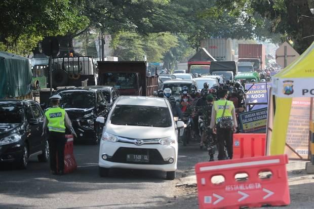 Nekat Mudik Saat PSBB Malang Raya, Polisi Sita Mobil Travel