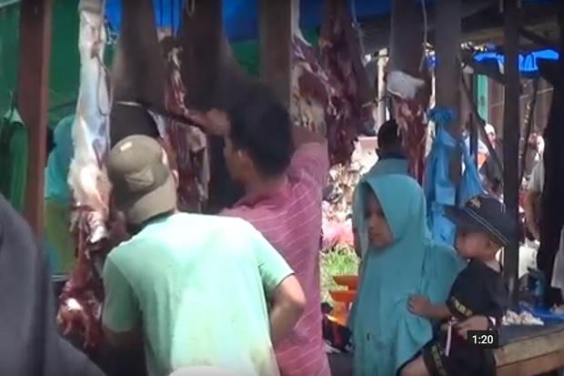 Demi Daging Meugang, Warga Subussalam Aceh Rela Berdesakan di Pasar Sejak Subuh