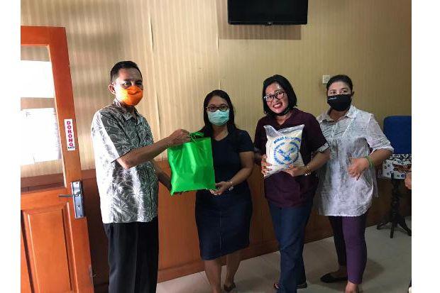 Pemkot Denpasar Distribusikan Paket Sembako Sasar ODP dan OTG