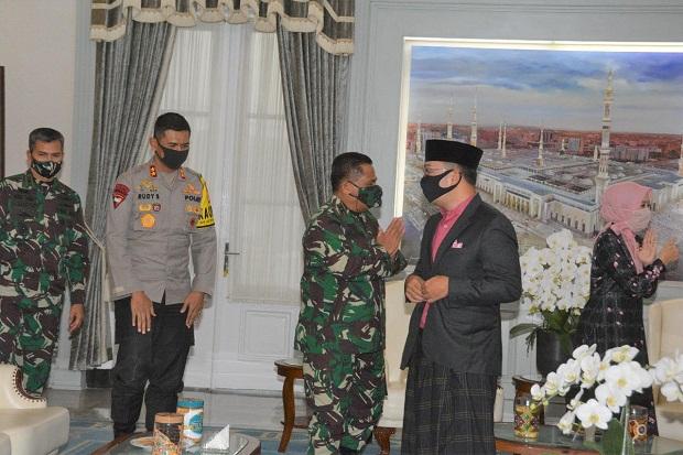Di Sela Cek Pospam, Pangdam-Kapolda Silaturahmi dengan Gubernur di Gedung Pakuan