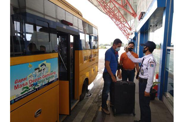 Tak Miliki SIKM, 2 Penumpang Bus Terminal Pulo Gebang asal Surabaya Dikarantina