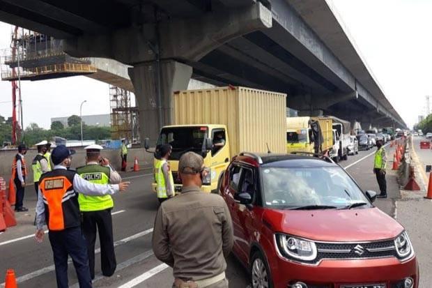 Tak Punya SIKM, Ribuan Kendaraan Pribadi Gagal Masuk Jakarta