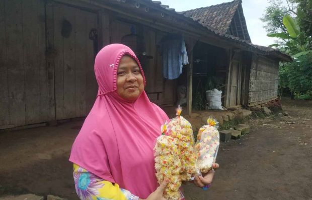 Kisah Winarni, Jatuh Bangun Menjual Rengginang Demi Menyambung Hidup