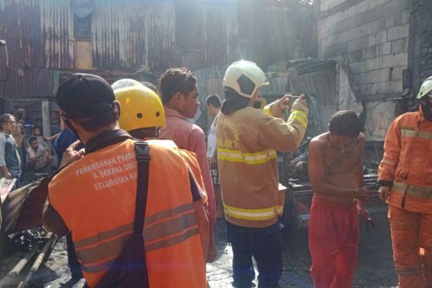 Si Jago Merah Mengamuk, Rumah dan Mobil di Cengkareng Ludes Terbakar