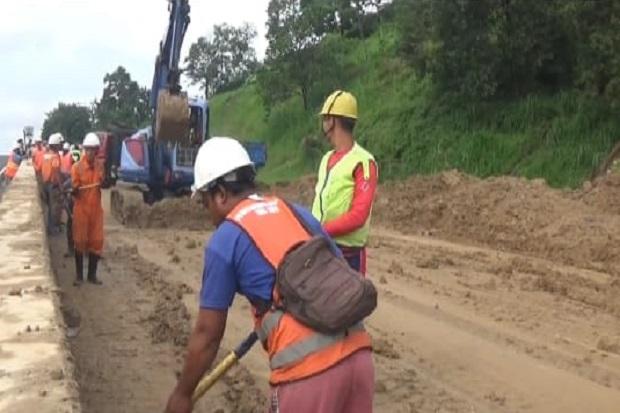 Diguyur Hujan Deras, Tol Ungaran-Semarang Longsor