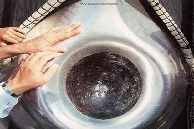 Tragedi Qaramithah: Kabah Tanpa Hajar Aswad Selama 22 Tahun