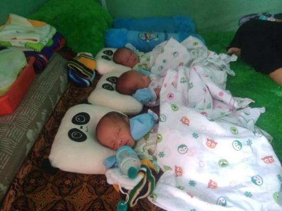 Orangtua Bayi Kembar Tiga di Muba, Penerima Bantuan Rutin dari Pemerintah