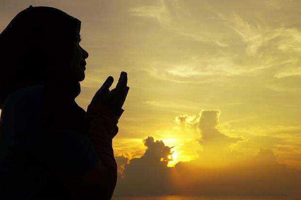 Amalan Yang Membuat Derajat Muslimah Akan Terangkat