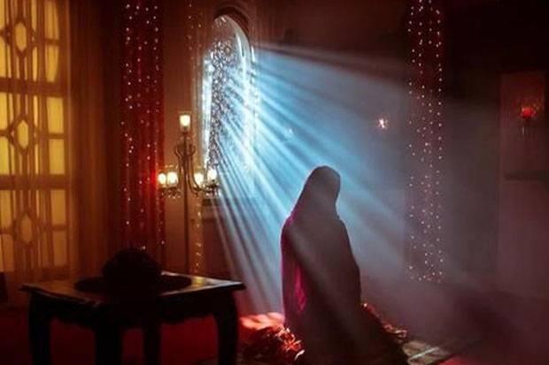 Wanita Saleha Diganjar Allah Taat Permanen