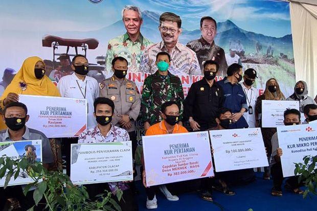 Menteri Pertanian Panen dan Percepat Tanam Padi di Cilacap