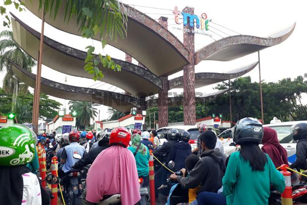 4.474 Pengunjung Serbu Taman Mini Indonesia Indah