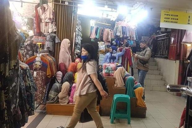 6 Hari Buka, Pengunjung Pasar Baru Bandung Masih Sepi