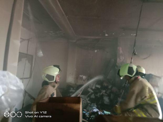 Diduga Korsleting, Bank UOB Kebon Jeruk Terbakar