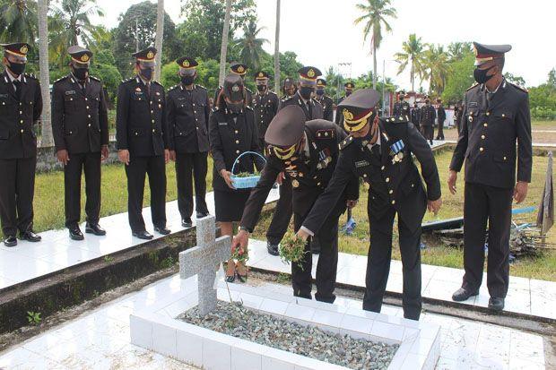 Kenang Para Pendahulu, Kapolda Papua Ziarah ke TMP Jayapura