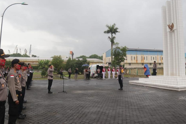 HUT Bhayangkara ke-74, Polda Kepri Upacara Ziarah Taman Makam Pahlawan