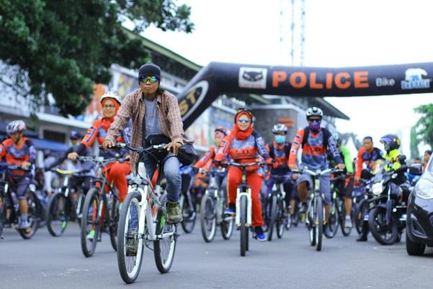 Pemkot Bandung Buat Lajur Sepeda Pop Up Agar Ngegowes Aman-Nyaman