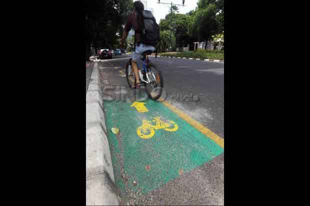 Belum Memadai, Pengawasan Jalur Sepeda di Jakarta Angot-angotan