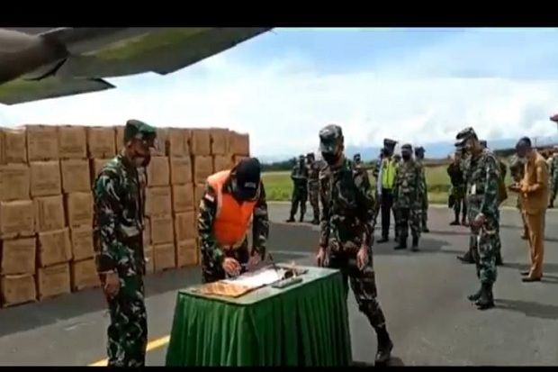 Ribuan Bantuan APD dari Pusat Tiba di Maluku Utara