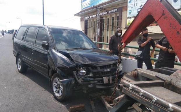 Tabrakan dengan Panther di Flyover, Pengendara Motor Meninggal
