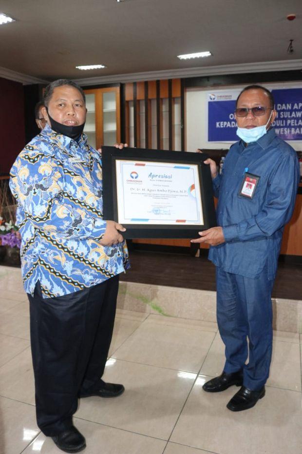 Bupati Agus Ambo Djiwa Dianugrahi Apresiasi dari Ombudsman RI