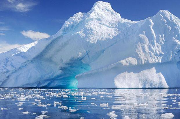 Lapisan Es Kian Menipis, Suhu di Antartika Naik 1,