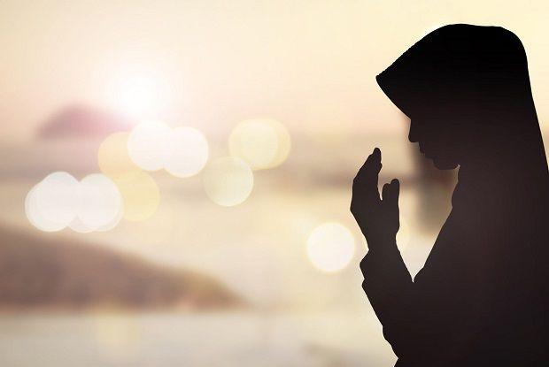 Menyikapi Pujian dan Menghindari Bahayanya