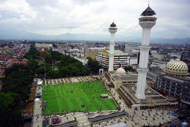 Cegah COVID-19, Masjid Raya Bandung Tak Gelar Pemotongan Hewan Kurban