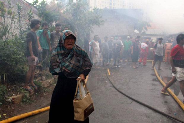 Terdampak Kebakaran, Warga Kebon Kosong Ditampung di Pengungsian