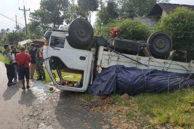 Dihantam Truk, Pengendara Motor Terluka