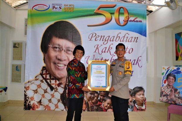 Komitmen Ungkap Kasus Kejahatan Anak, Kak Seto Ganjar Award untuk Kapolres Kobar