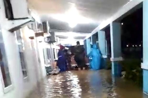 Hujan 4 Jam Kota Sorong Dikepung Banjir, Pasien RSAL Dievakuasi