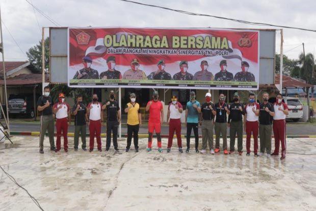 Jaga Soliditas dan Kebugaran TNI dan Polri di Simalungun Olahraga Bersama