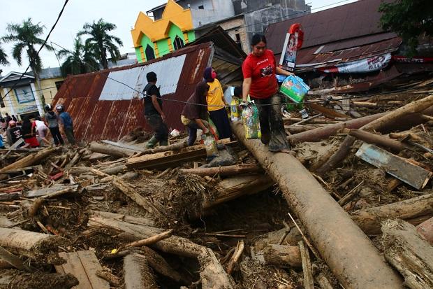 Pencarian Korban Bencana Banjir Luwu Utara Terus Dilakukan