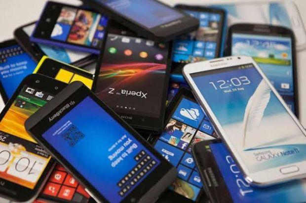 Laris Manis di Tengah Pandemi, Huawei Halus Geser Samsung