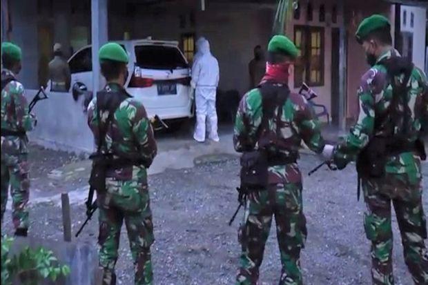 4 Jam Dikepung TNI-Polri, 4 Pasien COVID-19 Akhirnya Mau Dievakuasi