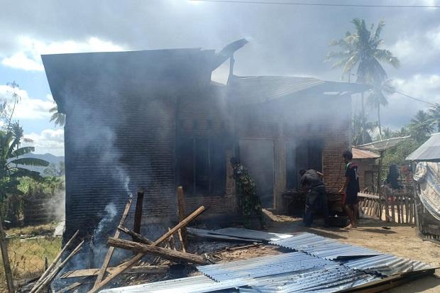 Warga 2 Desa di Bima Bentrok, 3 Rumah Ludes Dibakar