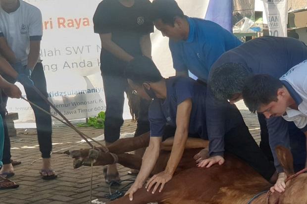 Rifan Financindo Berjangka Surabaya Berkurban di Ponpes