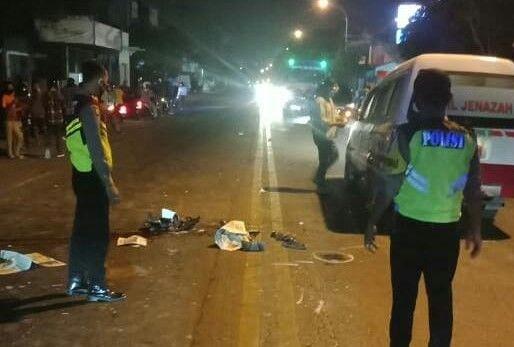 Driver Ojol di Gresik Tewas Kecelakaan Saat Antar Orderan