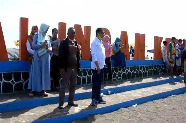 Liburan Idul Adha Pantai Indah Kemangi Dipadati Wisatawan Lokal